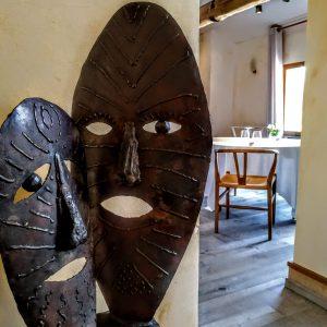 escultura-hierro-complicidad