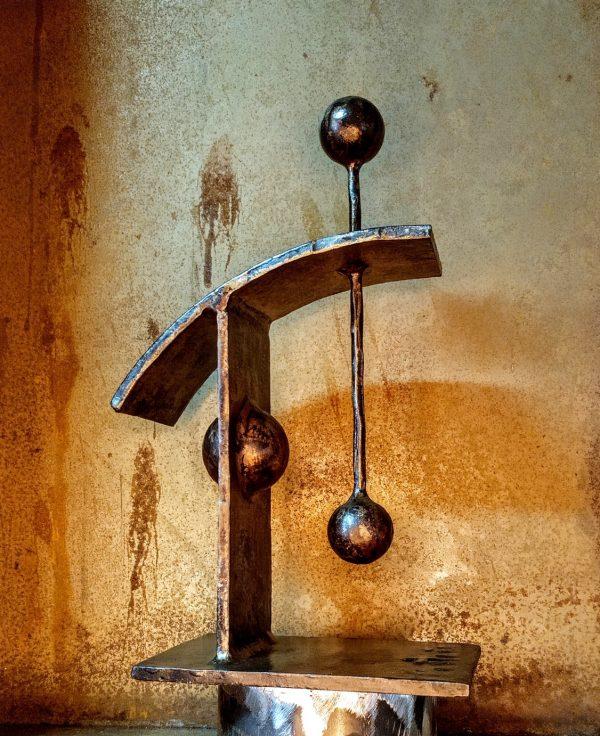 escultura-hierro-de-pendiente-i