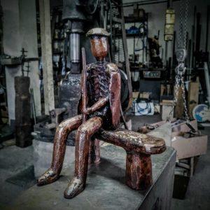 escultura-hierro-el-abuelo