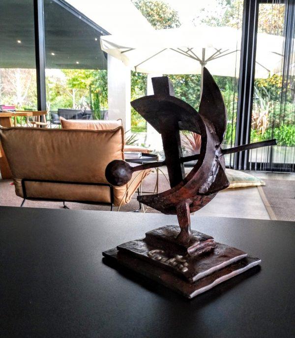escultura-hierro-enclavado