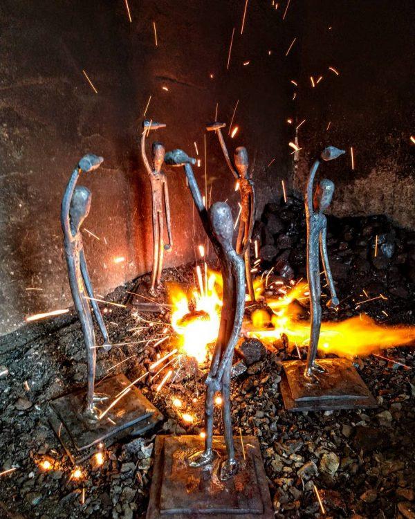 escultura-hierro-escanciador3