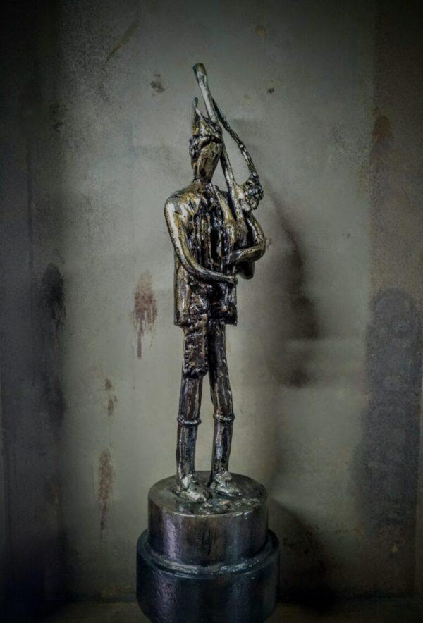 escultura-hierro-gaitero-GRANDE