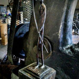 escultura-hierro-the-walker-ii2