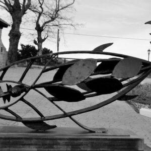 escultura-hierro-bonito-del-esva-bn