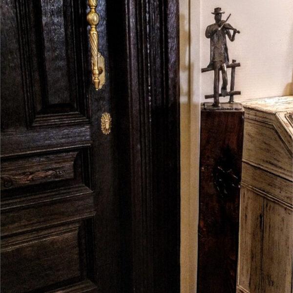 escultura-hierro-el-violinista-con-peana