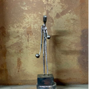 escultura-hierro-sopesando