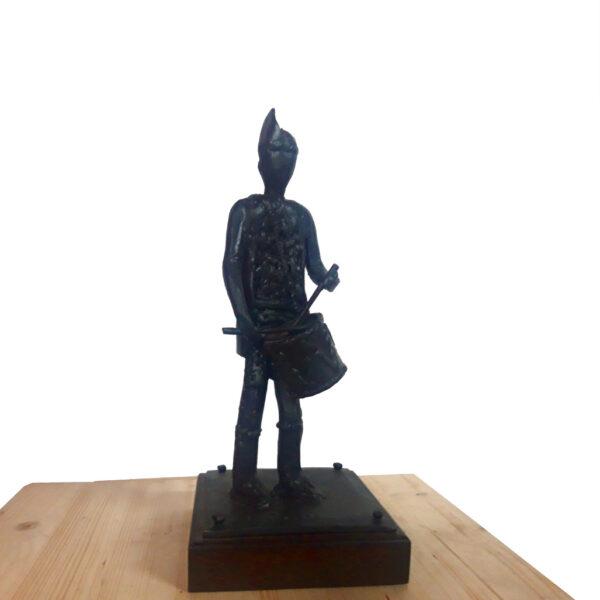 escultura-hierro-tamborilero